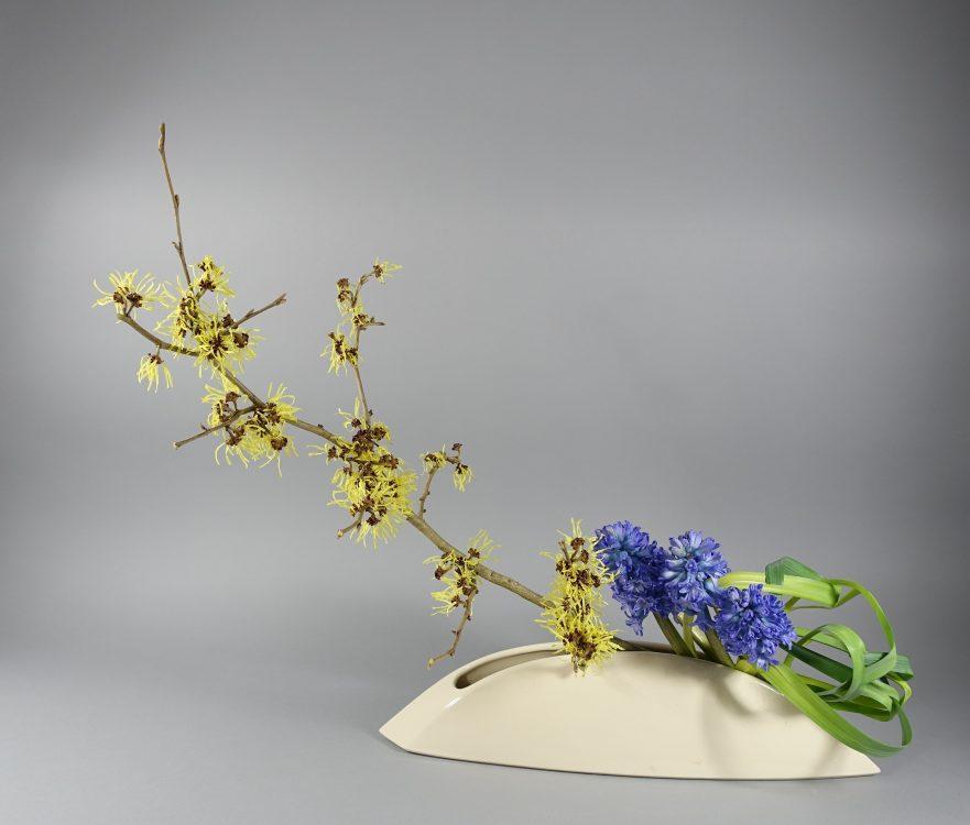 Ikebana, Sogetsu,  freies, kreatives Arrangement(von Toshimi Hayashi-Matt)