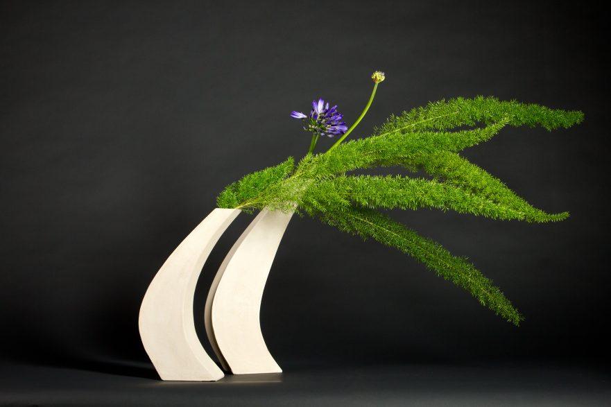 Ikebana, Sogetsu, free style Arrangement, (von Rita Dollerg. Foto: Marion Hogl)