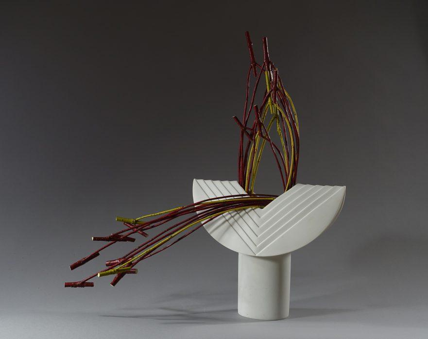 """Ikebana, Sogetsu, abstrakte Werke, """"mit Cornus"""" (von Ayako Graefe)"""