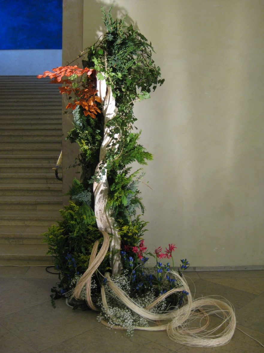 """Ikebana, Sogetsu, Installationen, """"Herbstlandschaft mit Wasserfall"""" (von Ayako Graefe)"""